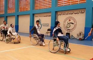 الكراسي المتحركة ترقص الدبكة في غزة