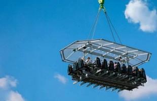 مغامرة مثيرة... تناول الطعام على ارتفاع 100 قدم فوق سماء لندن