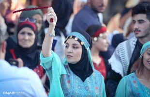 بالصور.. الفلسطينيون يحيون هويتهم من خلال زيهم التراثي