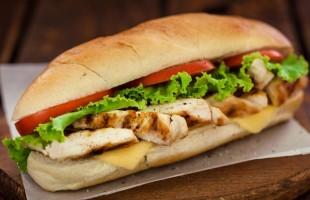 وصفة ساندويشات الدجاج بالأفوكادو لرجيم صحي