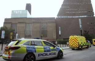 لندن.. اعتقال شاب مشتبه به في محاولة قتل طفل بمعرض فني