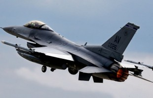 تحطّم مقاتلة إف-16 أميركية في ألمانيا ونجاة قائدها