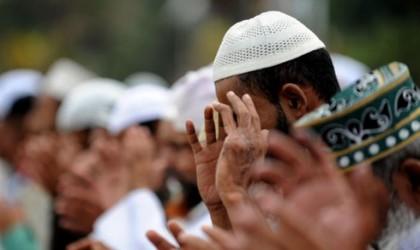"""حكم رفع اليدين مع تكبيرات الجنازة.. تعرف على رد """"البحوث الإسلامية"""""""