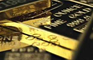 أسعار الذهب ترتفع مع تراجع الدولار بعد خفض المركزي الأمريكي للفائدة