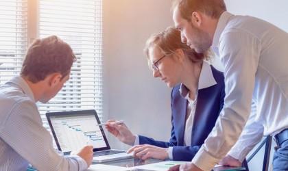7 خطوات ناجحة لإطلاق مشروع تجاري مربح على الإنترنت